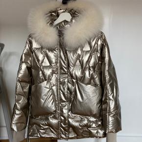 LHS fur jakke