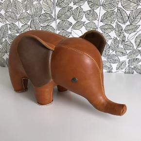 Ingen fejl. Züny elefant. Den store model. Som ny.  Zuny.