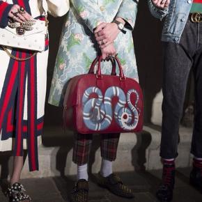 Runway piece. Original kvittering fra Gucci medfølger  Mål 45 cm bredde 31 cm højde 16 cm dybde