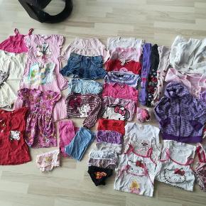 Brand: forskellige Varetype: Pigetøjs pakke Størrelse: 92 Farve: forskellige  Kjoler, leggings, strømpebukser, bluser trøjer, badetøj m.m.