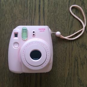 Sælger dette kamera. Virker fint. Uden Film/printfotografi. Afhentes i Vanløse