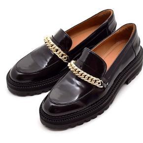 Super lækre loafers. Aldrig brugt. Æske og kvittering medfølger.   Må 1200 ( 1800 nypris)