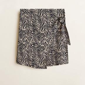 Fin nederdel fra mango, aldrig brugt i str xs