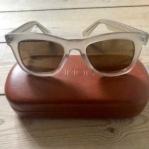 Super cool solbriller fra Komono! Aldrig brugt. Etui følger med.