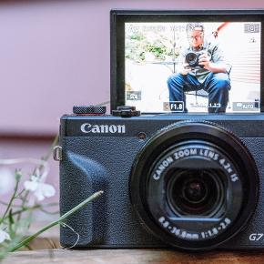 "Selling my Canon G7s Mark III COMPACT CAMERA   20,1MP ""CMOS Sensor  4K video, 4,2x  zoom  Wifi ,Bluetooth     I got the camera as a present 🎁  but don't have time to use it , it's in perfect condition  No scratches. rate 10/10   3 days return policy"