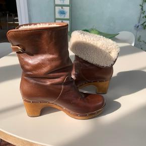 UGG vinterstøvle sælges.  Køber betaler fragt.