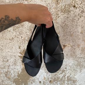 Læder sandaler fra vagabond. Brugt få gange. Fejler intet.