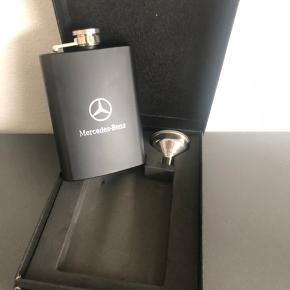 """Mercedes-Benz lommelærke med """"tragt"""". Aldrig brugt."""