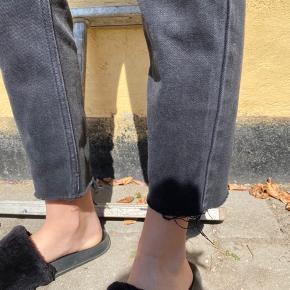 Sælger disse flotte bukser, da de desværre er for små til mig