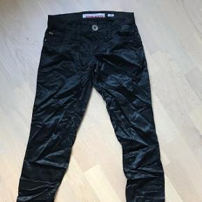 Satin bukser - shiny str 26 med lynlås ved anklerne😉