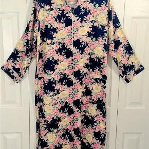 Smukkeste vintage Dior kjole fra 1980'erne sælges - materiale er bomuld.