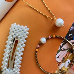 ✨Perlespænde✨ Fragt 10kr🧡  Halskæde med unik ægte perle 125kr✨ Armbånd 50kr💙