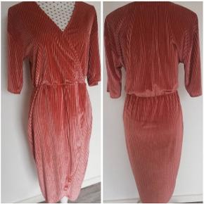Super fin viva rib dress fra Moss Cph. Brugt to gange.