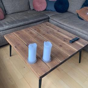 Fedt sofabord fra hipstory, 6 mdr gammelt. Fejler intet.  L 90 x B 90 x H 43 cm