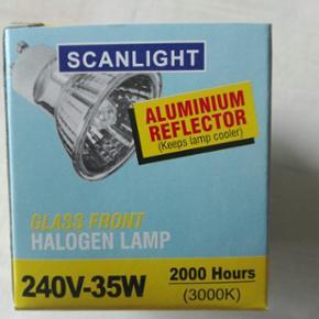 Halogen pære GU 10  35watt  15 stk for 10 kr. Evt. Bytte
