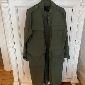 Y.A.S trenchcoat