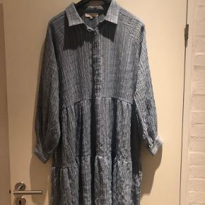 Boii Studios Selma kjole  Brugt tre gange, men fremstår som helt ny