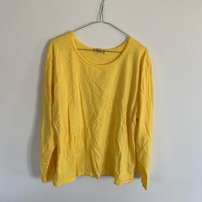 Gul bluse, one size