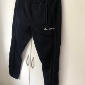 Mennace bukser