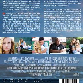 0352 🎁 Every Day (Angourie Rice)(DVD) Dansk Tekst - I FOLIE 🎁  Every Day  Hver dag   fortæller den utrolige kærlighedshistorie om den 16-årige pige Rhiannon (Angourie Rice fra   The Nice Guys  ) og en mystisk sjæl ved navn A, der bor i en ny krop hver dag. De mærker forbindelsen imellem dem, og hver dag må de lede efter hinanden uden at vide, hvad eller hvem den næste dag bringer. Rhiannon må sande, at det ikke er nemt at elske nogen, som er en ny person næste dag, og sammen står de nu overfor deres livs sværeste beslutning.