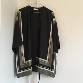 Bluse fra Weekday Str xs  Oversize