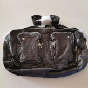 Nunoo Allimakka Deluxe taske i sort læder sælges  Original emballage og kvittering haves