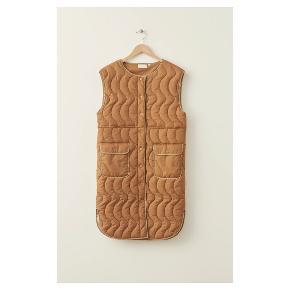 MILK COPENHAGEN vest
