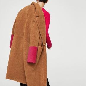 Super flot frakke fra mango Str M/L Byd