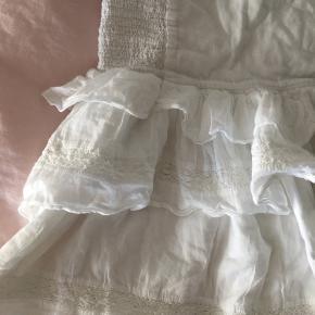 Hvis nederdel fra neo noir Størrelse L men passer også medium og small siden der er elastik i livet