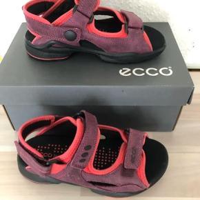 Fast pris. Sender gerne. Nye Ecco sandaler str 31.  Nypris ca 500kr