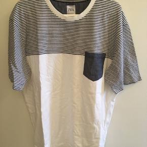 Hvid T-shirt fra Zara, størrelse XXL. Aldrig brugt. Kan stadig købes, nypris 79,- Byd gerne