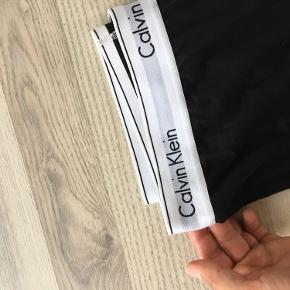Næsten nye Calvin Klein leggings. Rigtig pæne.