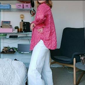Vintage sweater fra Ralph Lauren. Fejler intet betydeligt. Passer en xs-l afhængig af fit