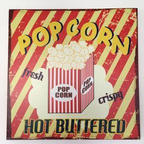 Super flot lærredstryk med popcorn som motiv. Størrelse 60x60. Sælger det da min datter ikke rigtig syntes at det passer til hendes værelse mere. Er som nyt. Kommer fra et ikke ryger hjem, kan afhentes i 2990 Nivå