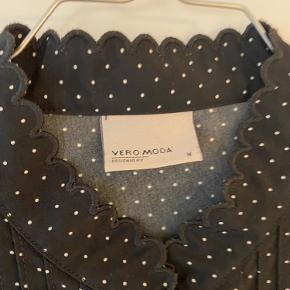 Aldrig brugt :)  Fra Vero Modas trend mærke med Malene Malling - VMM  Kvalitet: polyester