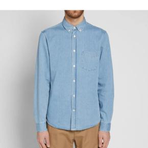 Acne studios isherwood denim shirt, fra css 14. Er i en meget fin brugt condition.  Mp. 450