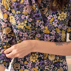 Lang skjorte/kjole fra &other stories.