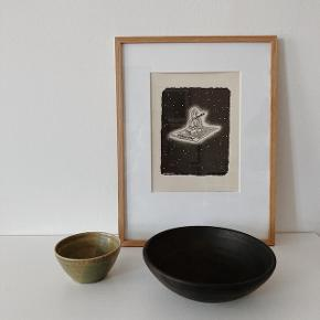 Smuk sort skål fra YUME Cph. Brug den f.eks til frugt. Måler 19,5 cm i diameter.  #secondchancesummer