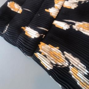 Plisseret nederdel fra Envii.🌻