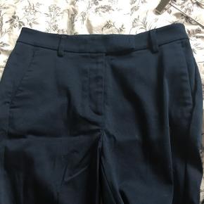 Rigtig lækre mørkeblå bukser.