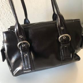Vintage taske - god til hverdagsbrug 🙌🏼  BYD gerne!