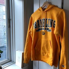 Super lækker champion hættetrøje i den lækreste orange Pris er ikke fast, byd endelig:)