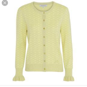 Helt nye flor cardigan fra Continue i gul med glimmer 😃 Np 500  Mp 250 😃