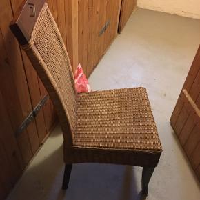 Seks af disse stole bortgives Afhentes hurtigst muligt