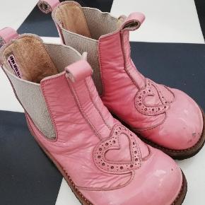 Søde lyserøde lak støvler fra angulus