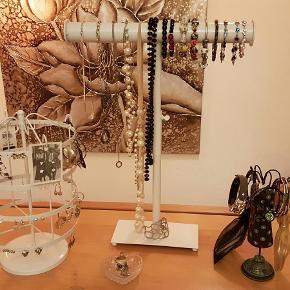 Mange smykker, sælges billigt Farve: flere