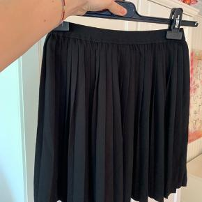 Fed nederdel fra Envii! Næsten aldrig brugt