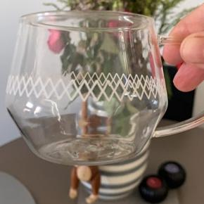 4stk ubrugt. 8 stk te glas og underkop Som nyt.