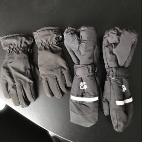 To par ski handsker til børn Aldrig brugt - passer ca str 10-12 år  Et par Thinsulate vanter og et par Everest handsker  Sælges samlet for 100,-