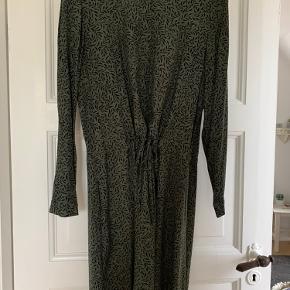 Hobbs kjole